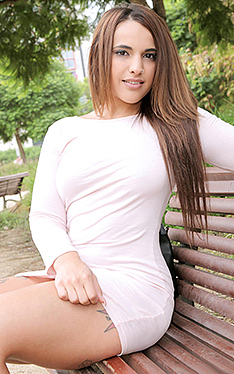 Teamskeet.com Kiara Strong