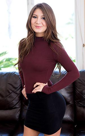 Jojo Kiss pornstar model on teamskeet