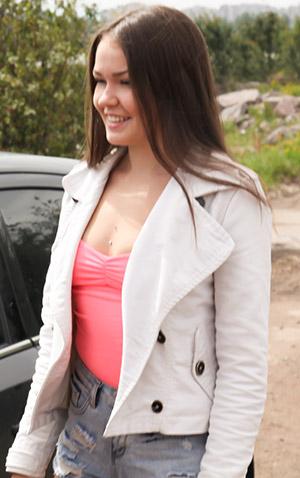 Malyshka Che pornstar model on teamskeet