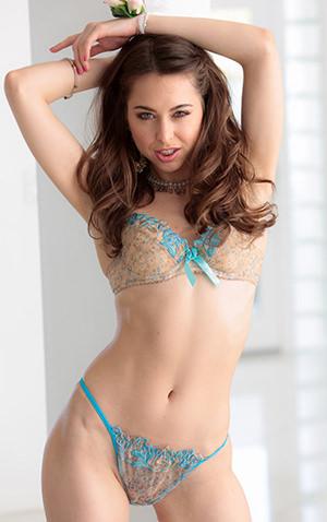 Riley Reid pornstar model on teamskeet